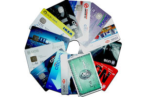 credit cards stacked in a circular design
